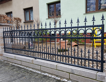 Zaune Aus Polen Mit Montage Schmiedezaune Tore Polnische Zaune